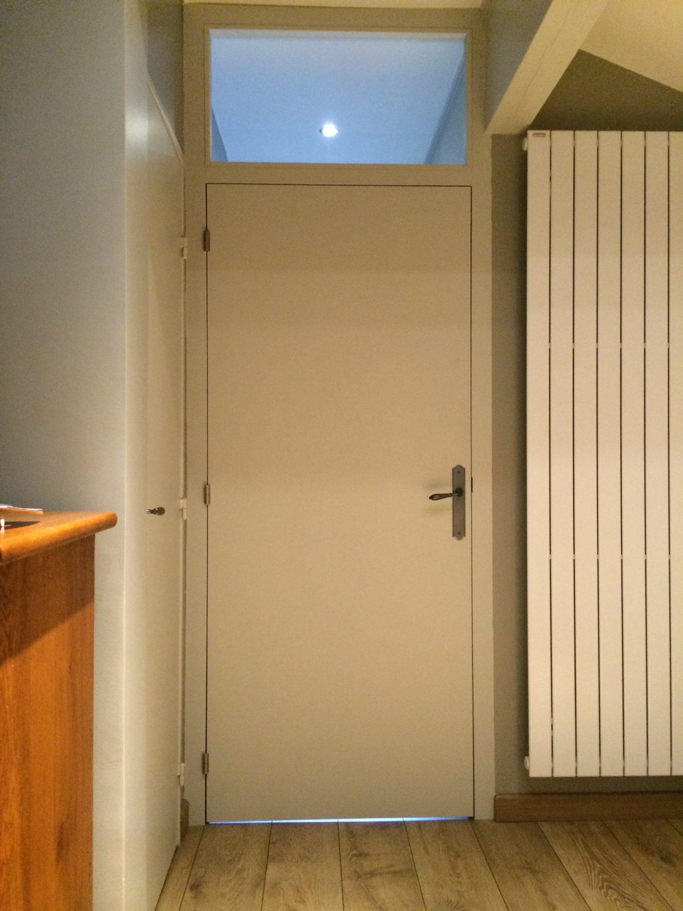 Porte de chambre avec attique vitrée - AP Design