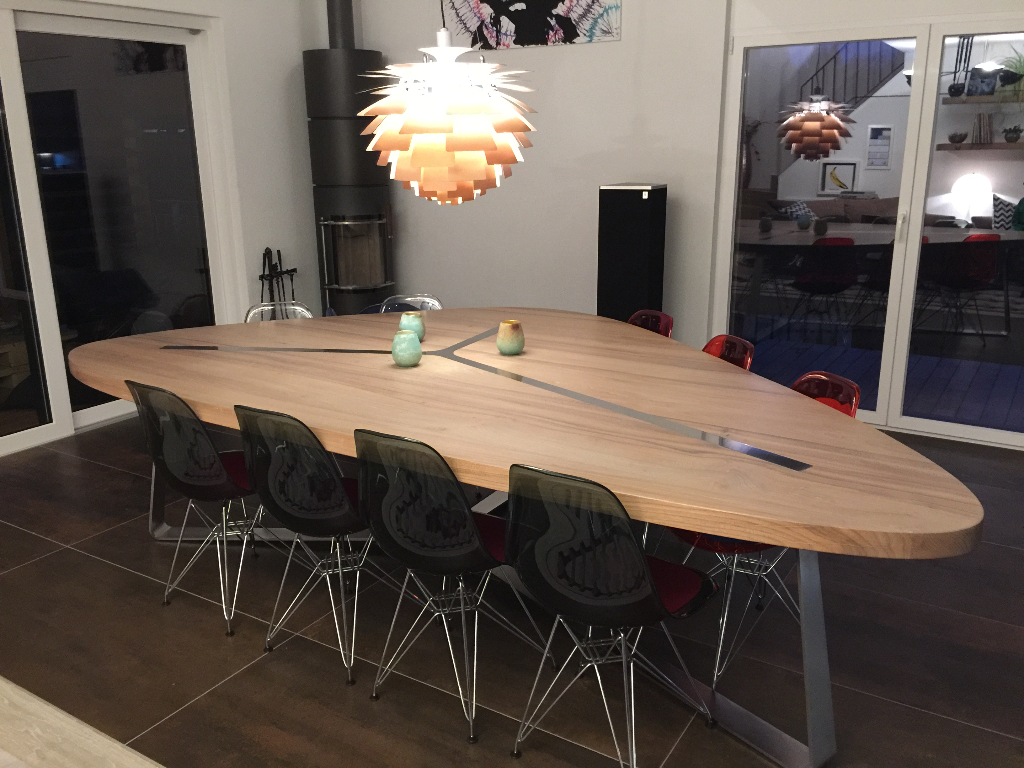 Table Triangle avec chaises